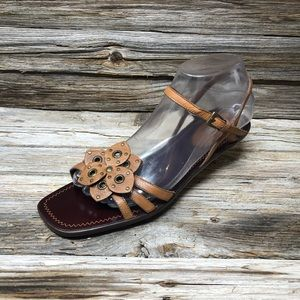 Franco Sarto Vintage 90s Brown Leather Flower Heel